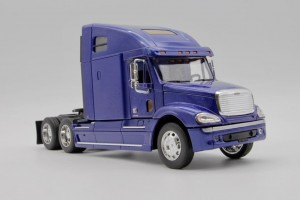 Freightliner Columbia - Model firmy Welly w skali 1/32